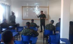Dez militares participam do estágio