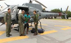 O resgate foi feito com o auxílio de uma aeronave do 1º Esquadrão de Helicópteros de Emprego Geral do Oeste