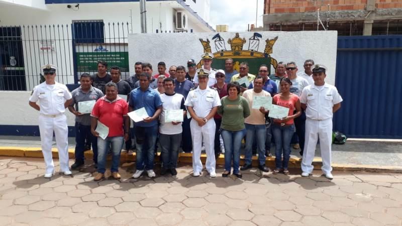 30 aquaviários receberam o diploma e Cadernetas de Inscrição e Registro