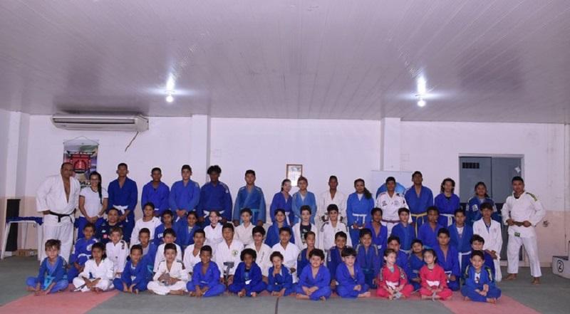 Participantes do Festival de Judô
