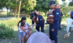 Atendimento da equipe móvel à comunidade de Porto Santa Tereza , com distribuição de medicamentos