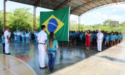 Cerimonial à Bandeira na E. M. Almirante Tamandaré