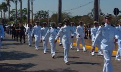 Militares da Agência Fluvial de Cáceres durante o desfile cívico-militar