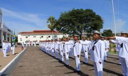 Marinheiros-Recrutas juraram perante a Bandeira do Brasil