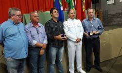Secretário de Desenvolvimento Sérgio, Vereadores Reinaldo e Emerson, Capitão de Corveta Cristiano e Prefeito Aziel Bezerra