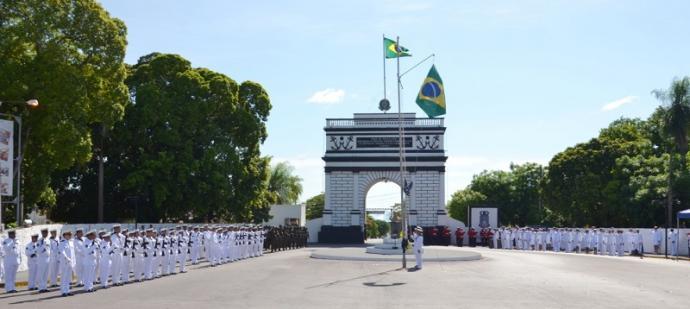 Cerca de 300 militares participaram da cerimônia