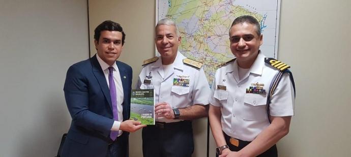 O Dep. Fed. Beto Pereira mostrou-se sensibilizado com as atividades da Marinha do Brasil em Mato Grosso e Mato Grosso do Sul