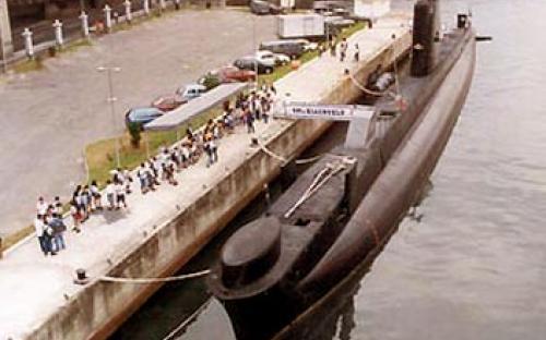 Submarino-Museu Riachuelo e cais do Espaço Cultural da Marinha