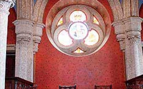 Vista parcial do Torreão com mobiliário neogótico (réplica)