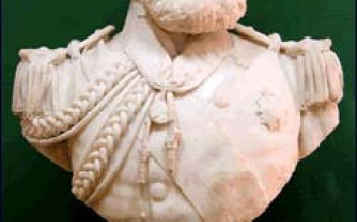 Busto, em mármore, do Almirante Joaquim Marques Lisboa, Marqueês de Tamandaré (Patrono da Marinha do Brasil), de Soares dos Reis