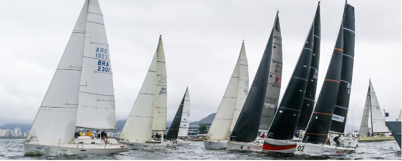 76ª edição da Regata Escola Naval é realizada na Baía de Guanabara
