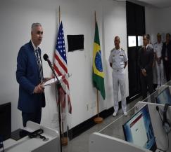 Escola Naval comemora a modernização do Laboratório de Línguas