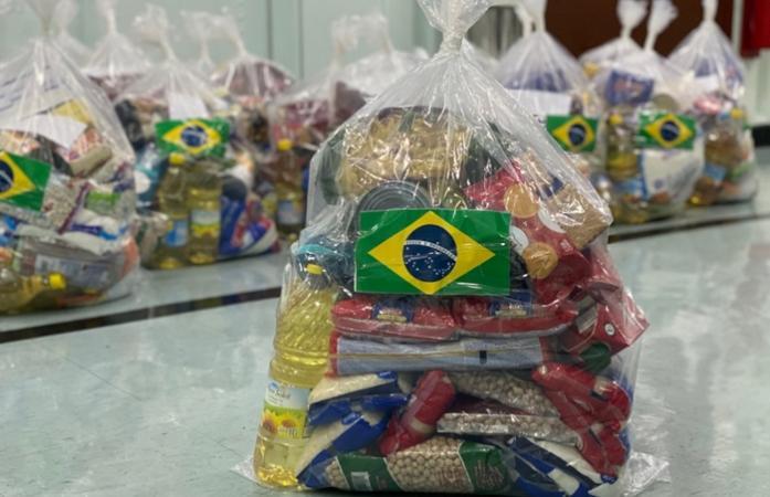 Fragata Independência realiza doações às famílias Brasileiras residentes no Líbano