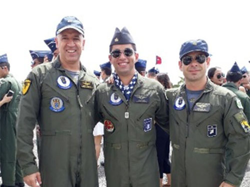 9fe6eda00 Aviador Naval é declarado piloto de combate pela Força Aérea Brasileira