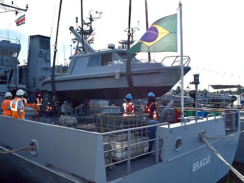 2678587bd LAEP-07 doada à Marinha do Suriname