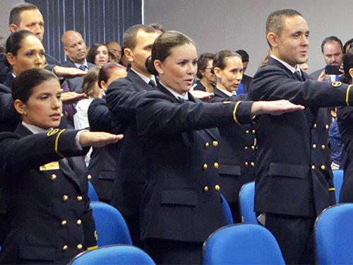 Centro de Instrução Almirante Wandenkolk forma Oficiais Médicos do Serviço  Militar Voluntário 8f43fc83322e1