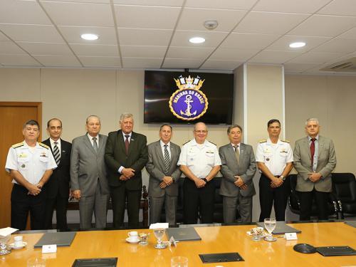 70983141f9 A reunião entre o Comandante da Marinha e membros do Comitê da Indústria de  Defesa e Segurança do Estado de Goiás aconteceu ontem (16), em Brasília