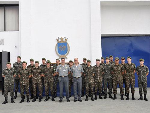 Centro de Guerra Eletrônica da Marinha realiza intercâmbio com a Escola de  Artilharia de Costa e Antiaérea do Exército f79a163922d