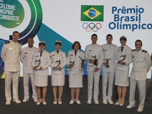 6a1c1c89b8 Ana Marcela Cunha agraciada com o prêmio de Atleta do Ano