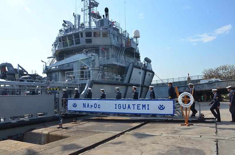 Resultado de imagem para Navio de Apoio Oceânico (NApOc)