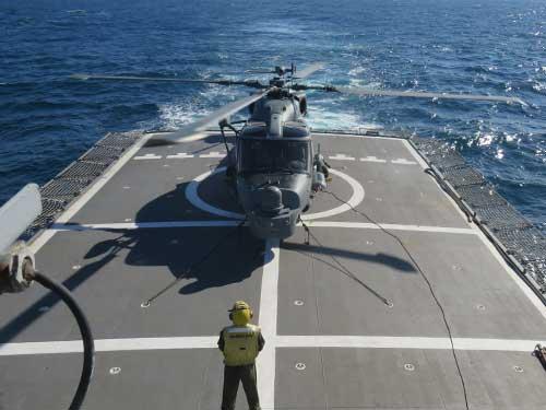 """Aeronave AH-11B """"Wild Lynx"""", versão modernizada do Super Lynx, no convoo da Corveta """"Barroso"""""""