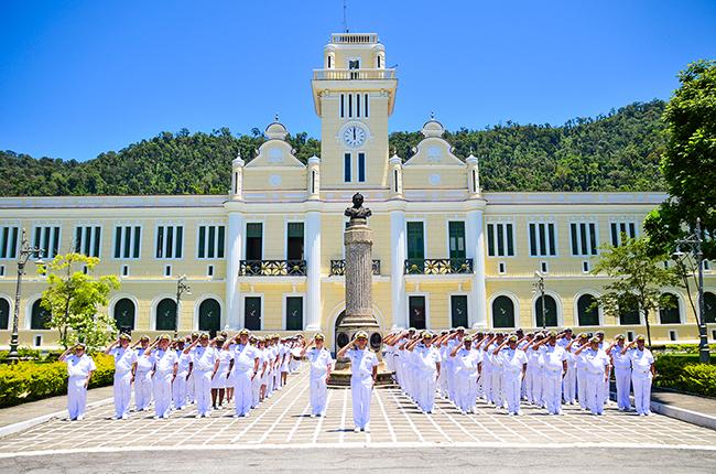 Resultado de imagem para Marinha Colégio Naval